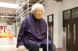 """广州美院毕业展提前看!有人雕出了自己80岁的模样,有人做了个""""逼真""""的假瓜"""