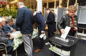欧洲议会选举投票开启 专家担心选民漠不关心尴尬局面
