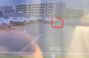 深圳机场旁出租车蓄车场发生一起交通事故,上月曾有司机车祸身亡