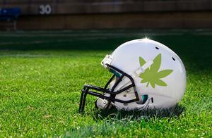 拳王泰森等150名运动员联名上书,希望世界反兴奋剂机构取消对大麻制品禁令