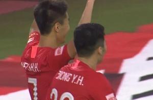 GIF:杨立瑜传中韦世豪破门,恒大1-0深圳