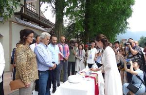 40多国嘉宾走进眉山洪雅体验柳江古镇的魅力