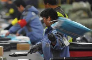 快递员伪造中国邮政包裹被圆通证实,中国邮政:该行为涉嫌欺诈