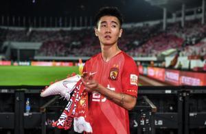 """东体:退出国足却在俱乐部火线复出,恒大国脚被疑""""诈伤"""""""