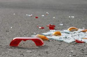 印尼巴士乘客与司机起冲突,抢方向盘致50多人死伤