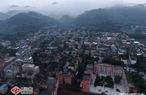 图片直击!四川长宁发生6.0级地震 双河镇部分建筑受损
