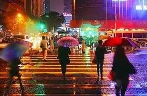 """38℃!洛阳开启""""下开水""""模式,阵雨+中雨+暴雨下不停......"""