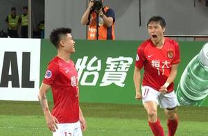GIF:郑铮乌龙,杨立瑜传中经折射直接破门