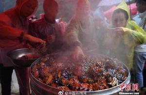 比利时大闸蟹泛滥 当局:考虑送回中国人餐桌上