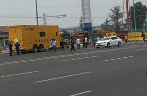 青岛地铁一号线发生坍塌事故