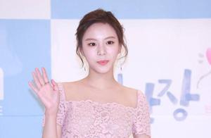 韩国女演员录节目时捕食巨型蛤蜊,已被起诉面临5年监禁