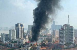 官方通报武汉江汉饭店火灾:管线拆除时意外起火
