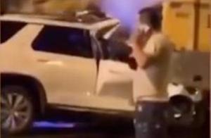 车辆追尾轿车起火 工程车司机只报警不救人 致两人身亡被刑拘