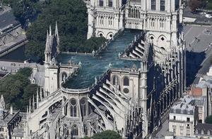 重建巴黎圣母院方案征集遭恶搞:改成麦当劳、停车场,还是游泳池