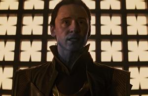 洛基是冰霜巨人族的后代,劳菲的儿子,却为何是普通人类的样貌?