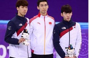 韩国短道速滑男队曝光丑闻,林孝俊拉下队友黄大宪的裤子致走光
