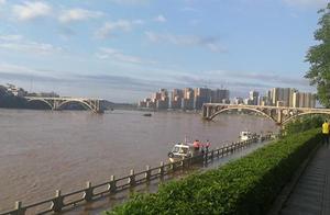 突发!广东河源东江大桥垮塌,1人被救其他伤亡不明