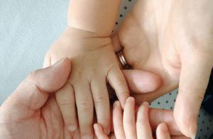 39岁胡杏儿二胎产子,刘涛陈法蓉第一时间送祝福姐妹情深
