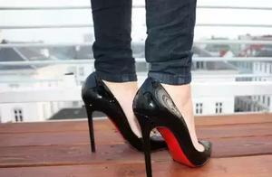 明星穆勒鞋街拍 高跟鞋有哪些奢侈品牌?