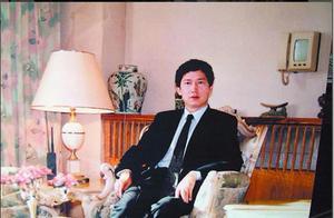 北京帅小伙不想工作,与80岁外国女星结婚,继承巨额遗产后成首富