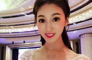 刚宣布与66岁富豪老公离婚,何艳娟就被拍到与百亿新欢甜蜜约会