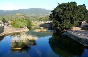 """这里原名""""长教村"""",是个历史悠久的古老村落,它就是云水谣古镇"""