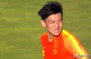 4384天的等待!中国足球结束一大耻辱纪录,球员喜笑颜开很兴奋