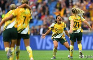 女足世界杯超级逆转!夺冠热门巴西女足2-0后大崩盘,亚洲队首胜