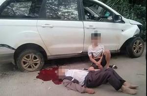 惨烈!桂林一小车急速撞山,副驾驶被飞甩出窗,当场死亡!