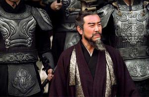 刘备的江山是靠哭赢的?别被电视剧骗了,刘备真动手关羽张飞都怕