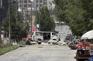 美国驻阿富汗使馆突遭爆炸袭击!平民伤亡惨重,究竟是谁幕后下手