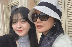 王中磊携带妻女现身戛纳,妻子王晓蓉竟意外撞脸范冰冰