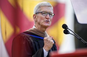 苹果CEO库克斯坦福大学演讲老调重弹:强调用户隐私,怀念乔布斯