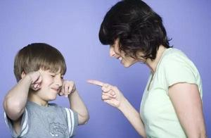 男孩假扮妈妈诉苦是为何?家长们,请听听孩子心声