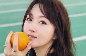 杨钰莹520最新美照,酒店天台变个人秀场,美得没朋友