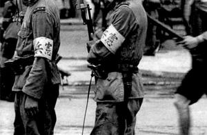 千万不能忘记历史,日本鬼子侵华实拍老照片,图4是在使用毒气弹