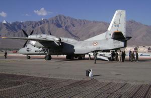 印度空军运输机蹊跷坠毁,13人死亡!残骸刚被找到