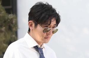 郭京飞斩获最佳男配角 调侃没黄渤美貌与鹿晗甜美