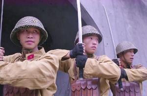 日军特种兵和游击队拼刺刀,王牌对王牌,女英雄一刀一个