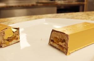 迪拜的黄金巧克力,只有土豪才能吃的起,网友:打扰了