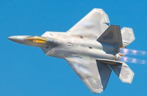 美国停产F-22,真的是经济压力?其实是被一个中国人忽悠了