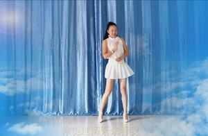 一首邓丽君经典老歌编成广场舞《你怎么说》不仅百听不厌而且好看