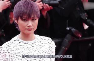 李宇春白色羽毛装被晒出,引起网友热议褒贬不一,她已成戛纳常客