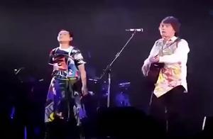 刘若英演唱会,和伍佰演唱《挪威的森林》,简直太嗨了!