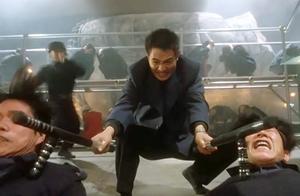 李连杰动作戏真是好看,手持武器以一敌百,一夫当关万夫莫开