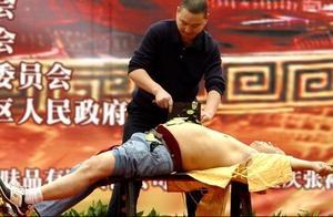 中国顶级厨师的刀速,到底快到什么程度?厨师:小李飞刀算个屁