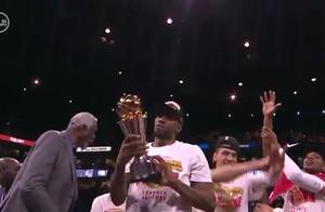 诸多不易!北境之王莱昂纳德捧起生涯第二座总决赛MVP奖杯