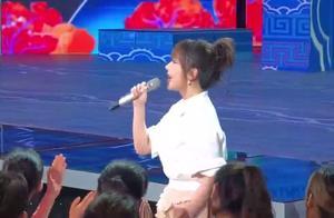 杨紫和井柏然热情演唱《小梦想大梦想》,声音太好听,想刻录下来