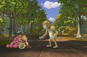 熊出没:狗熊岭来了只陌生猴子,居然还想抢水果,看把毛毛吓的