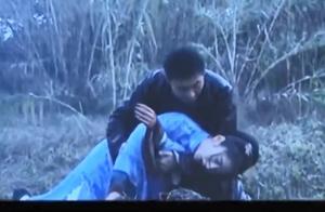 小伙骗妹妹外甥死了,妹妹跑到坟上挖开儿子的坟,当场就哭晕了